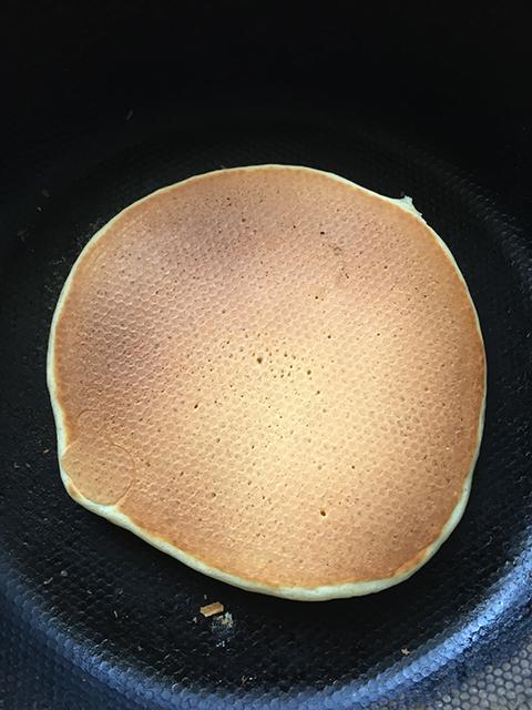 パンケーキを作る の巻_c0053520_23205110.jpg