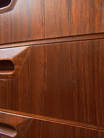 sideboard_c0139773_18494216.jpg