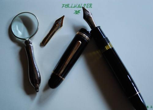 インク瓶とルーペ_e0200879_1338479.jpg