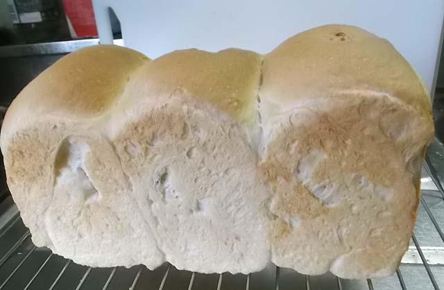 北海道産強力粉「煉瓦」でパンを焼く_f0019498_19144645.jpg