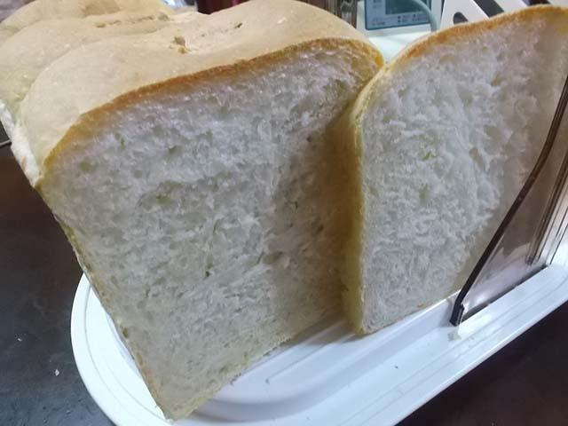 北海道産強力粉「煉瓦」でパンを焼く_f0019498_19145795.jpg