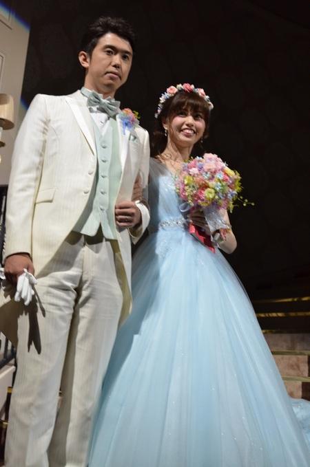 新郎新婦様からのメール アニヴェルセルみなとみらいの花嫁様より シンデレラのようなブルーのドレスに_a0042928_8164412.jpg