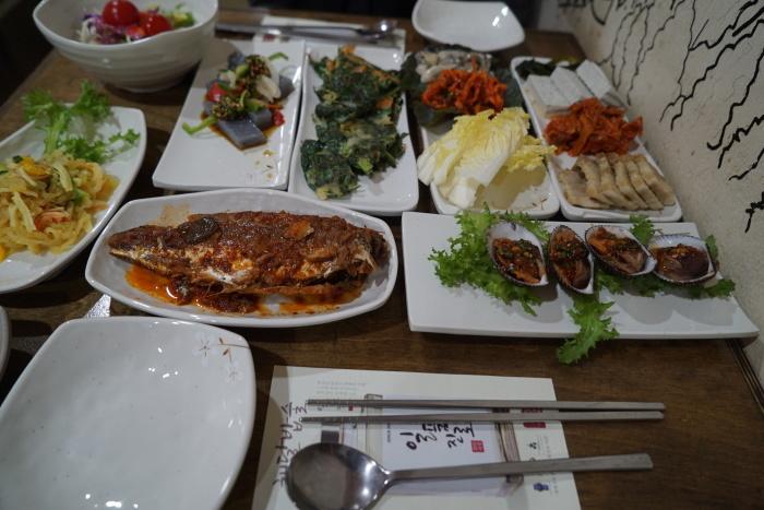 ソウル、弘大(ホンデ)の美味しいお店2軒 可愛いモダン韓国料理屋さんと、おつまみ天国_a0223786_10391868.jpg