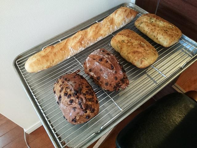 ハードなお昼ごパンと工夫自慢_e0167593_1345845.jpg
