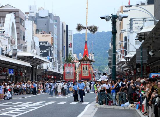 祇園祭 山鉾巡行_e0048413_1722367.jpg