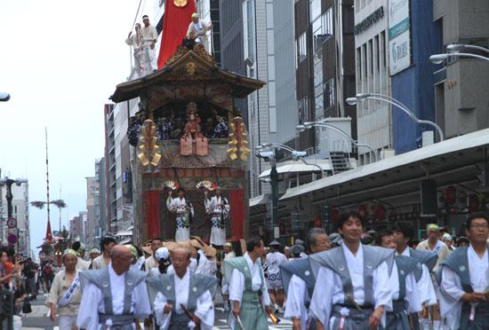 祇園祭 山鉾巡行_e0048413_1722636.jpg