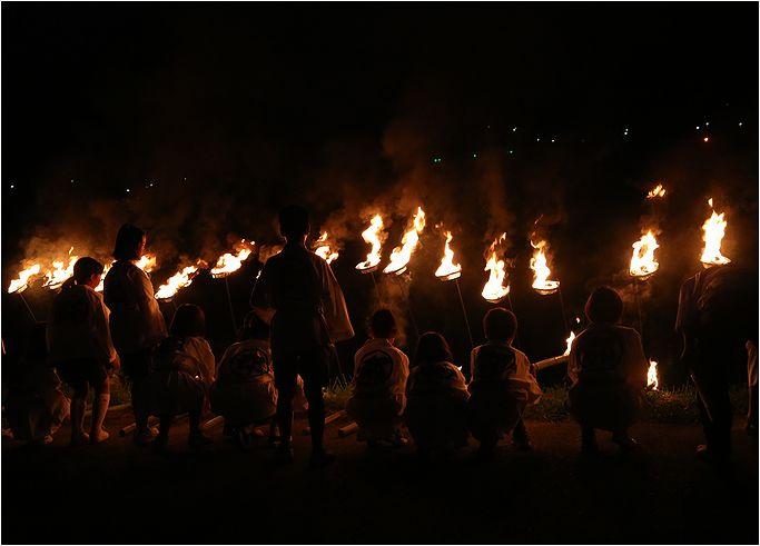 郡神社の火祭り_a0256349_1262177.jpg