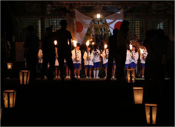郡神社の火祭り_a0256349_126619.jpg