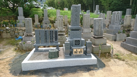 黒龍石9寸墓石工事施工例_c0160758_1273411.jpg