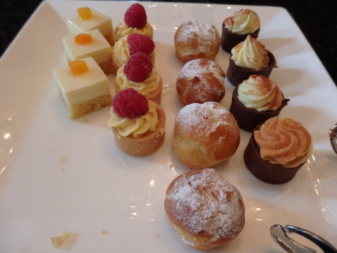 Afternoon Tea at Waldorf Astoria New York ☆The Towers ☆Life\'s a gift ~☆*†꒰ღ˘◡˘ற꒱✯・゚_a0053662_16484764.jpg