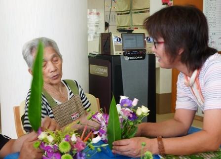 【7月の園芸療法】生け花&観葉植物_d0163307_16023615.jpg