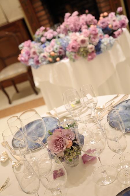 夏の装花 リストランテASO様へ 紫と青、バラと紫陽花で_a0042928_11241219.jpg