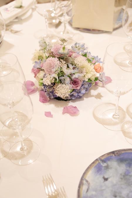 夏の装花 リストランテASO様へ 紫と青、バラと紫陽花で_a0042928_1126568.jpg