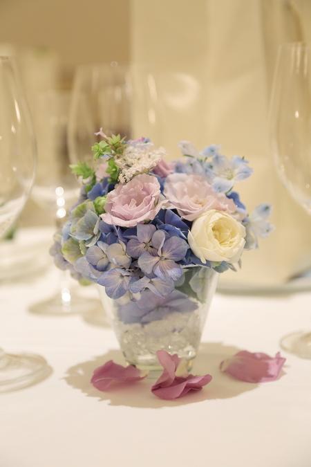 夏の装花 リストランテASO様へ 紫と青、バラと紫陽花で_a0042928_1127038.jpg