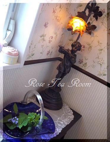 2素敵な! バラのお迎えテーブル&タティングレース~♪_a0159974_7183615.jpg