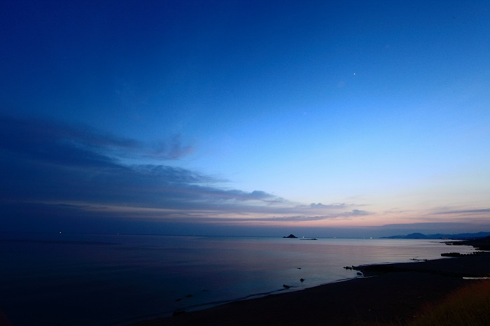 静かな夜明け_a0294534_19195464.jpg