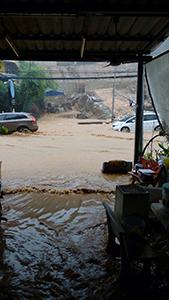 豪雨にご注意!!_f0144385_13165451.jpg