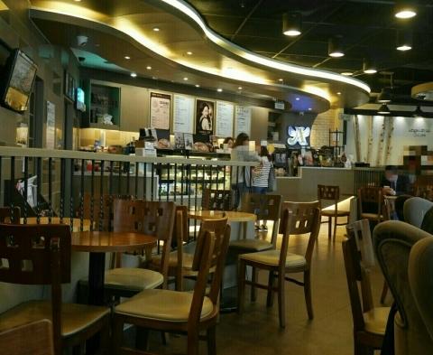 ソウル駅 「Angel-in-us Coffee」でウマウマグレープフルーツティー_a0187658_22413049.jpg
