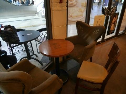ソウル駅 「Angel-in-us Coffee」でウマウマグレープフルーツティー_a0187658_06395977.jpg