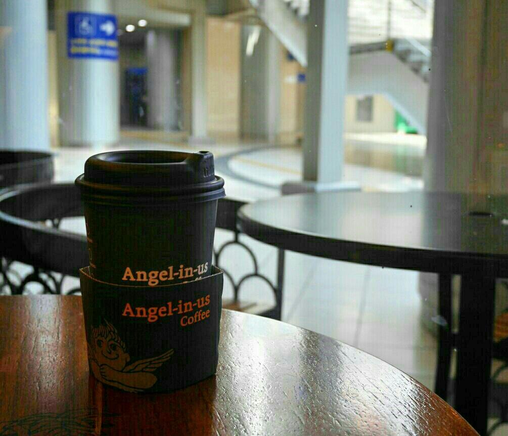 ソウル駅 「Angel-in-us Coffee」でウマウマグレープフルーツティー_a0187658_07111719.jpg