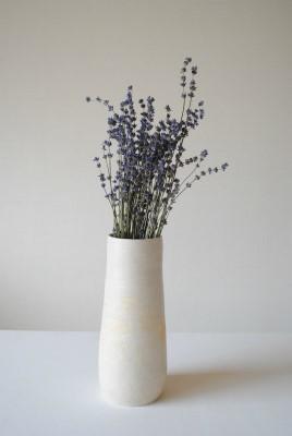 背の高い花器_a0230872_23285459.jpg
