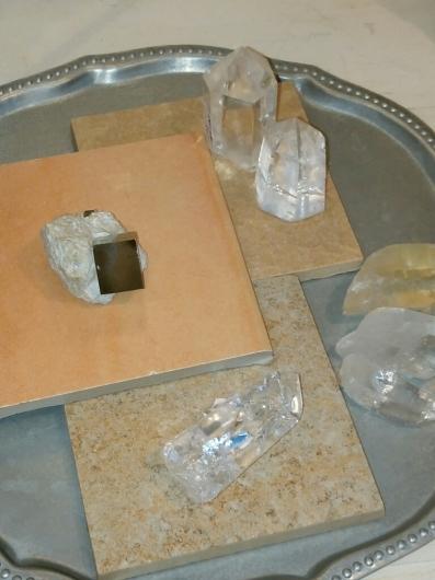 ミニチュアと鏡と時計と原石_f0255704_15143991.jpg