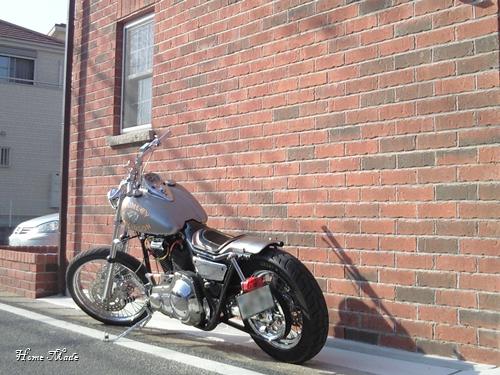 レンガとバイクはマッチする_c0108065_13355211.jpg