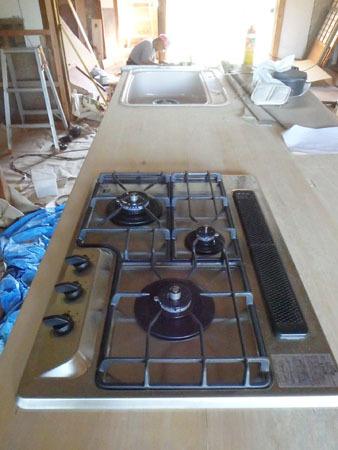古民家リノベーション~キッチン作り&窓開け_f0208315_23414767.jpg