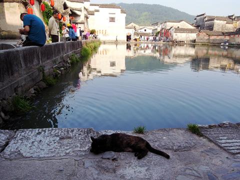 宏村(1)~2016世界遺産の旅_b0145843_22384235.jpg