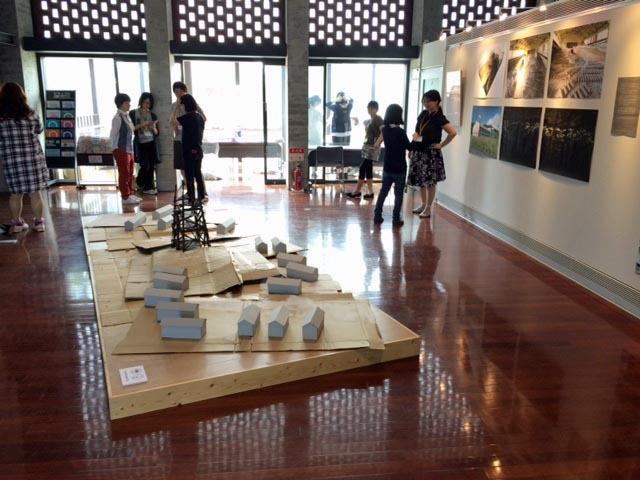 川俣正岩見沢プロジェクト2016/その2_c0189970_10372838.jpg