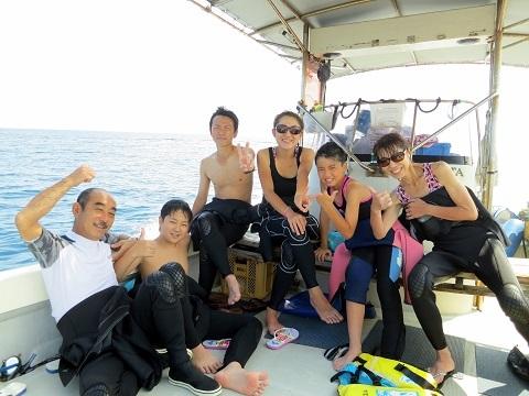 ボートで青の洞窟行ってきました!!_a0156273_19410362.jpg