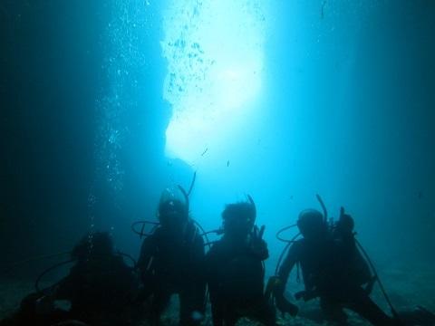 ボートで青の洞窟行ってきました!!_a0156273_19411841.jpg