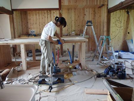 古民家リノベーション~キッチン・アイランドの塗装_f0208315_23065488.jpg