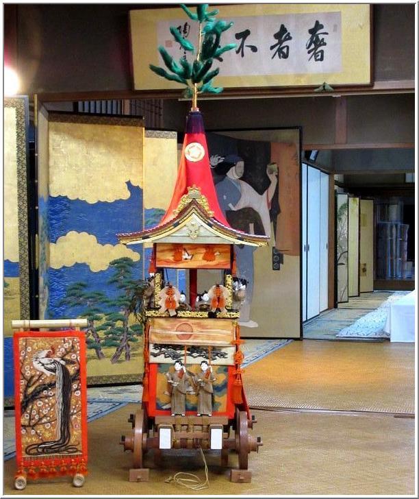 京都祇園祭(後祭)・・・屏風祭に一コマ_b0104092_12495699.jpg