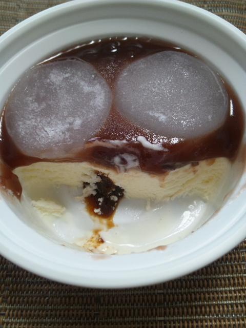 シャトレーゼ 餅入り北海道クリームぜんざい_f0076001_22493728.jpg