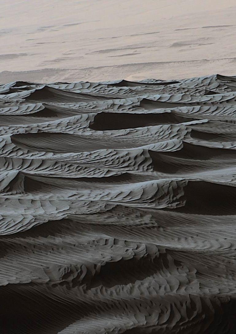 火星探査車キュリオシティが捉えた火星のナミブ砂丘の様子_d0063814_16172587.jpg