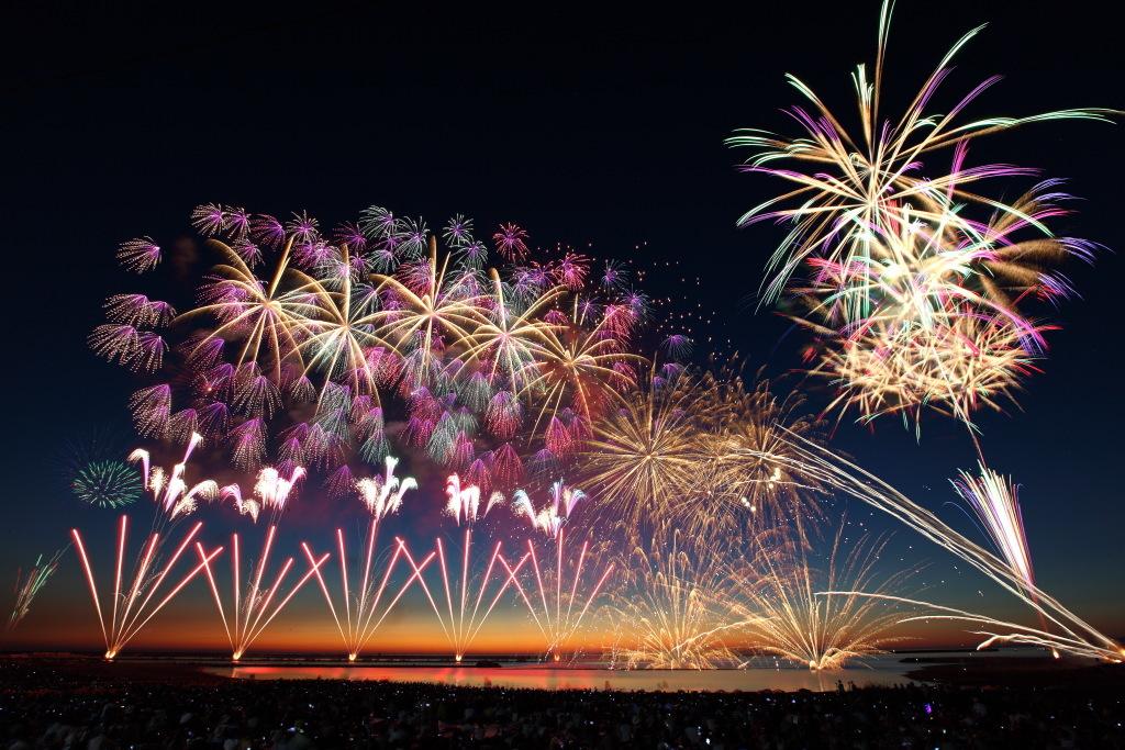 夏の風物詩「花火」写真を撮るコツ!一眼レフ初心者でも今年こそ、きれいに華やかに!_d0350330_14132572.jpg