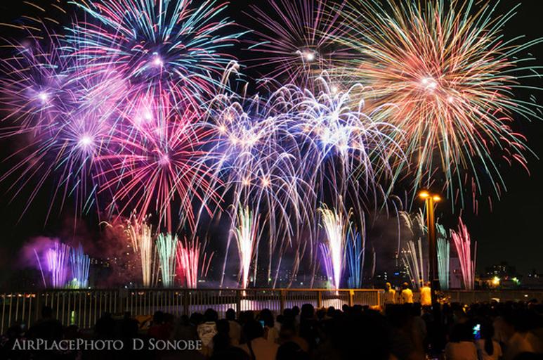 夏の風物詩「花火」写真を撮るコツ!一眼レフ初心者でも今年こそ、きれいに華やかに!_d0350330_15164287.jpg