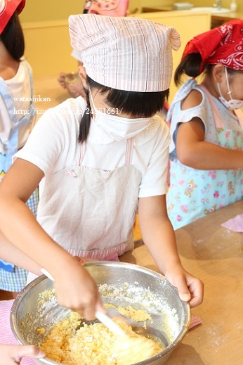 娘がお菓子教室へ_e0214646_10391951.jpg