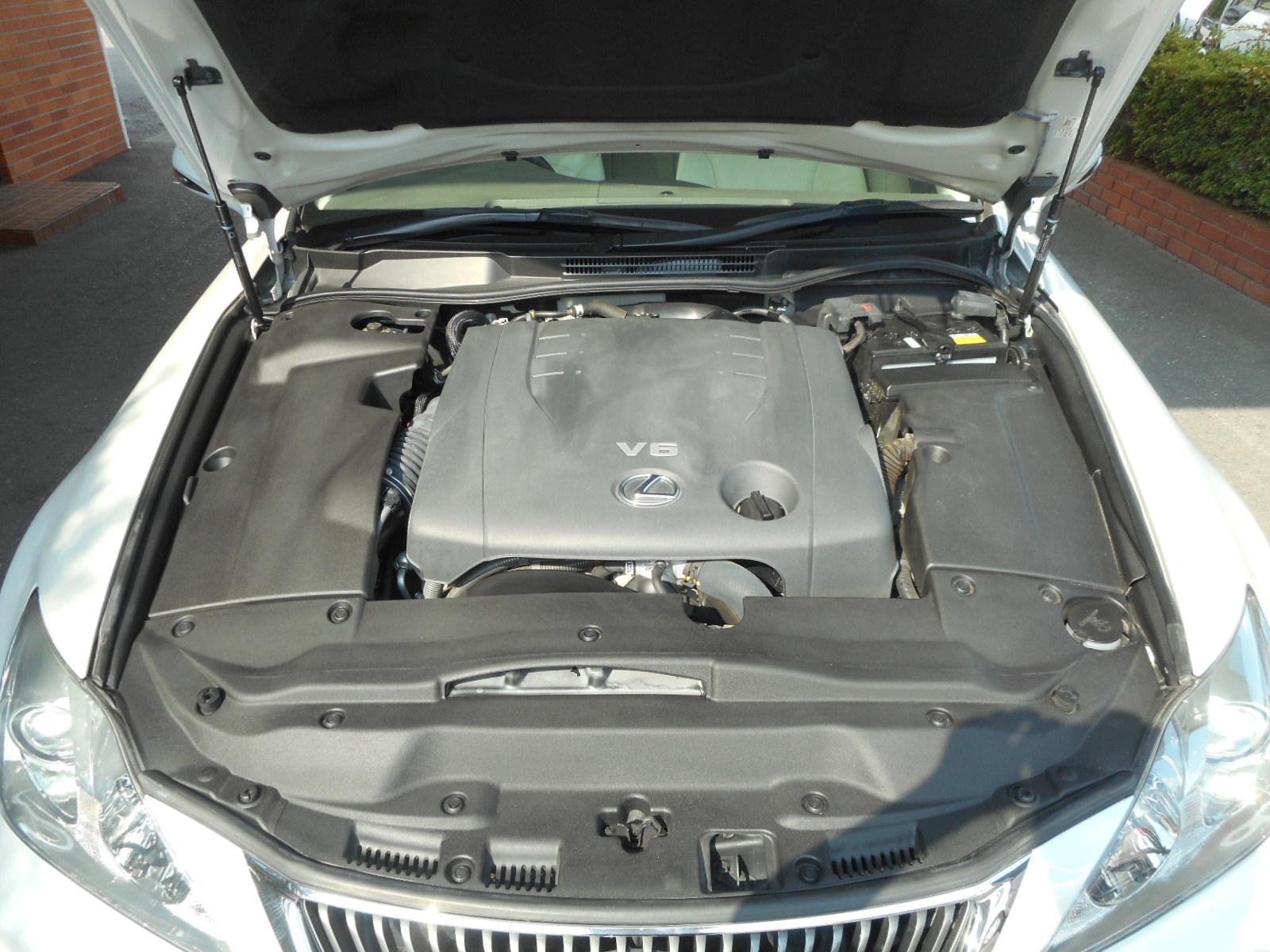 特選車ご紹介:レクサスIS250バージョンL_c0267693_11102649.jpg