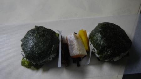 山で食べるおにぎりお弁当作り_e0120896_07382642.jpg