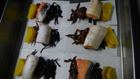 山で食べるおにぎりお弁当作り_e0120896_07385196.jpg