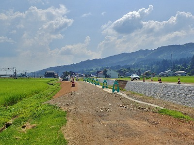 河川改修現場で打ち合わせ_c0336902_19104156.jpg