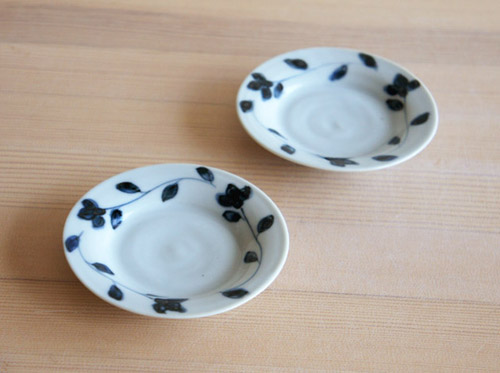 林京子さんのお小皿が入荷しました!_a0026127_1732461.jpg