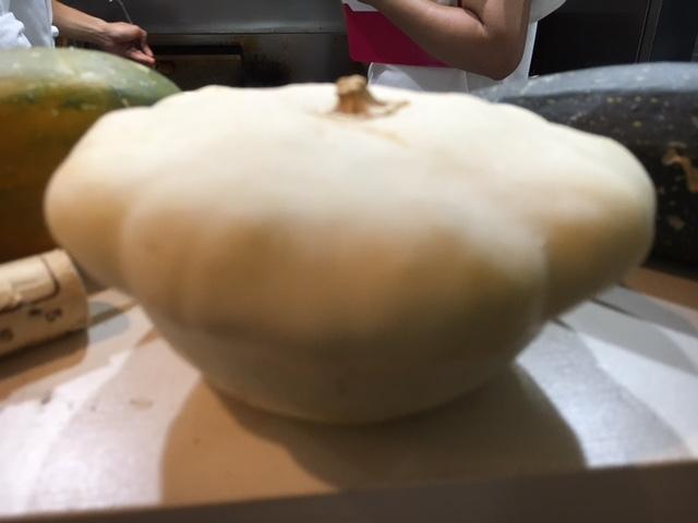 旬野菜だけ・・・・ 天草の白磁のお皿に・・・   _c0222448_17020276.jpg