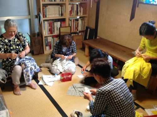 夏の『ちくちく手縫いの会』涼しいブラウスできました!_b0153663_15092607.jpeg