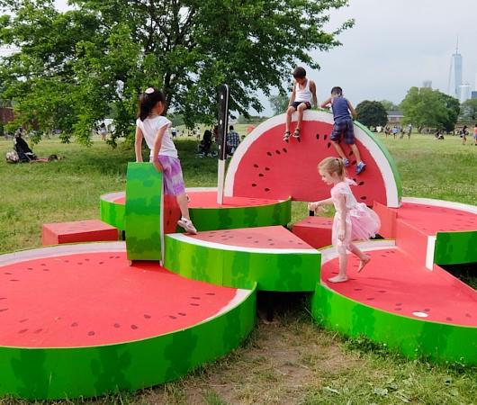 新たな公園開発の進むNYのウォーター・フロントはまるで巨大なテーマパーク?!_b0007805_0121745.jpg
