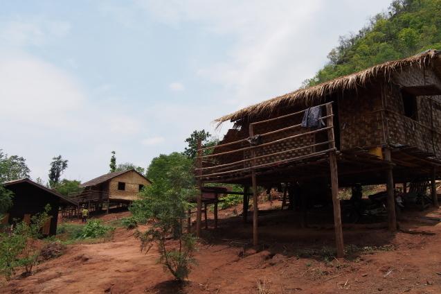 南シャン州の山で象と戯れる GREEN HILL VALLEY 3_c0098222_00555403.jpg