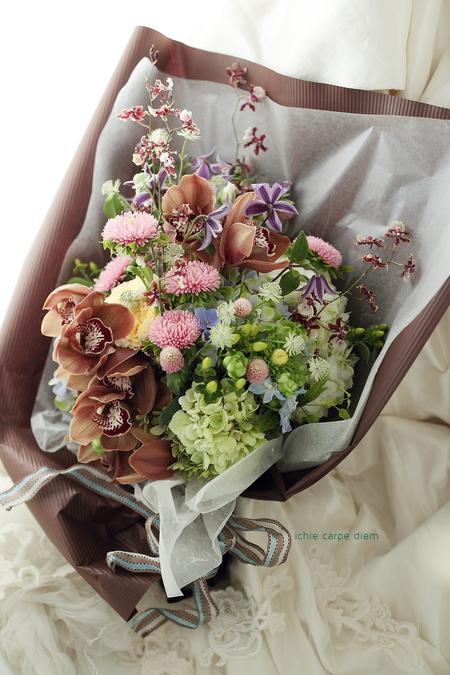 ご結婚一周年の御礼に、花嫁様からソロモンの指輪を持つお義母さまへ_a0042928_20292920.jpg