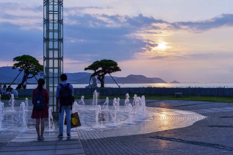 海岸散歩の夕日_d0246136_17430257.jpg